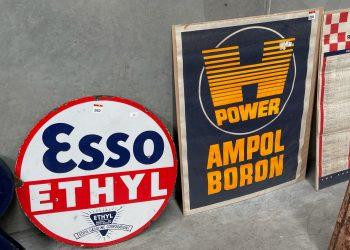 Esso & Ampol Sign